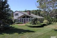 4 Sheffield Ln Northport NY, 11768
