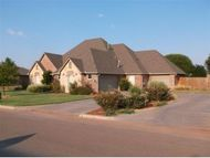 113 Riverview Clinton OK, 73601