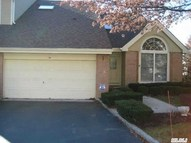 58 Willow Ridge Dr Smithtown NY, 11787