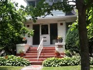 409 Potter Blvd Brightwaters NY, 11718