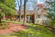 105 Glenview Ave Lookout Mountain TN, 37350
