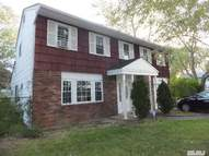 70 Riddle Brentwood NY, 11717