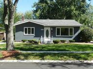 8827 Manor Ave Munster IN, 46321