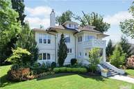 122 Grosvenor St Douglaston NY, 11363