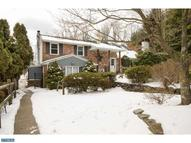 135 S Marmic Dr Holland PA, 18966