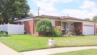 13532 Dominic Warren MI, 48088