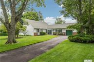 22 Riverview Ct Oakdale NY, 11769