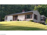 783 Cross St Newcomerstown OH, 43832