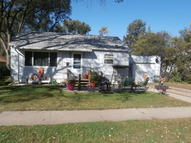 843 Arizona Ave Sw Huron SD, 57350