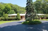 267 Oyster Bay Rd Mill Neck NY, 11765