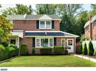 418 Lakeview Dr Ridley Park PA, 19078
