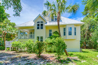 2543 Tropical Way Ct Sanibel FL, 33957