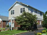 90 Linden St Roslyn Heights NY, 11577