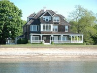 21 Pettipaug Avenue Old Saybrook CT, 06475
