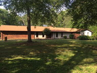 1751 Dry Creek Road Cookeville TN, 38501