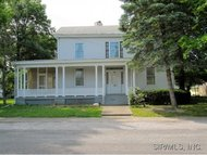 119 East 2nd South Carlinville IL, 62626