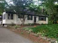 19 Richard Rd Gales Ferry CT, 06335