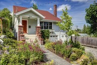 2314 E Lynn St Seattle WA, 98112