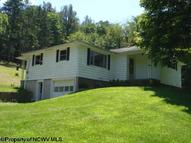 18 Littlebrook Way Fairmont WV, 26554