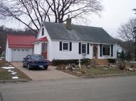 814 North 2nd St Guttenberg IA, 52052