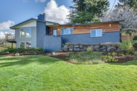 9505 S 198th St Renton WA, 98055