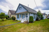 528 Karr Ave Hoquiam WA, 98550