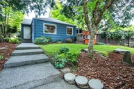 6831 35th Ave Ne Seattle WA, 98115