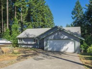 2231 E Trails End Dr Belfair WA, 98528