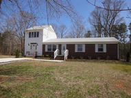 5001 Pontons Circle Amelia Court House VA, 23002