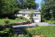 7 Webb Ln Goldens Bridge NY, 10526