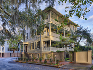 126 West Harris Street Savannah GA, 31401