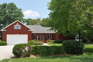 587 Waters Edge Dr Winchester TN, 37398