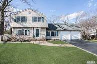 54 Brandy Ln Lake Grove NY, 11755