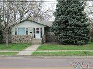 2312 E 6th St Sioux Falls SD, 57103
