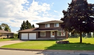 309 Golf Ct. Sault Sainte Marie MI, 49783