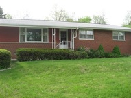 131 E Oakwood Road East Peoria IL, 61611