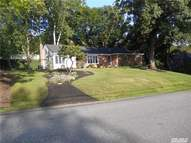 13 Griffith Ln Huntington NY, 11743