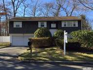 6 Commonwealth Ave Lake Grove NY, 11755