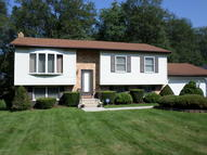 12 Valley View Dr Mountain Top PA, 18707