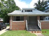837 Esther Wood River IL, 62095
