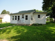405 5th St Sw State Center IA, 50247