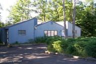 58 Bindale Rd Tamiment PA, 18371