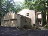 44 Settlers Trail Stamford CT, 06903