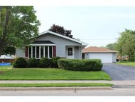 405 E Forest St Black Creek WI, 54106