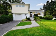 107 Briarcliff Rd East Norwich NY, 11732