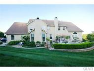 6464 Maple Hill Ln Coopersburg PA, 18036