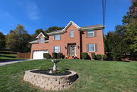 1721 Gray Oaks Lane Knoxville TN, 37932