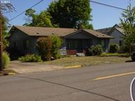 525 10th St Springfield OR, 97477
