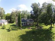 185 Reymont Road Waterford MI, 48327