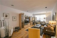 90 Schenck Ave 1n Great Neck NY, 11021